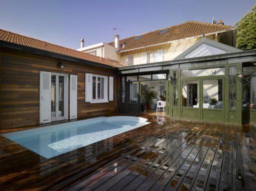Un jardinet transfiguré par la Villa Véranda