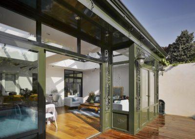un-jardinet-transfigure-par-la-villa-veranda-11