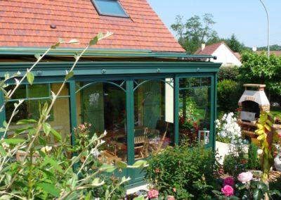 une-veranda-au-milieu-d-un-jardin-de-rocaille-2