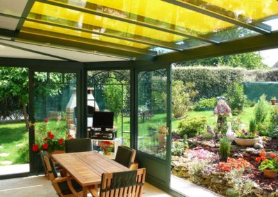 une-veranda-au-milieu-d-un-jardin-de-rocaille-3