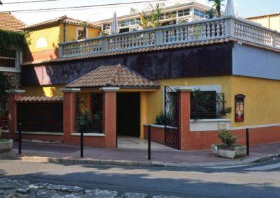 une-veranda-sur-le-toit-d-un-restaurant-1
