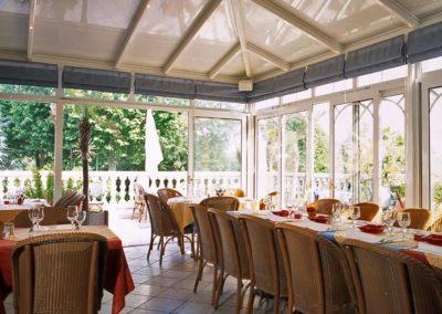 une-veranda-sur-le-toit-d-un-restaurant-5