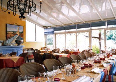 une-veranda-sur-le-toit-d-un-restaurant-6