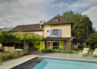 une-villa-veranda-a-l-interieur-tres-colore-2