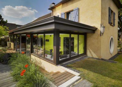 une-villa-veranda-a-l-interieur-tres-colore-3