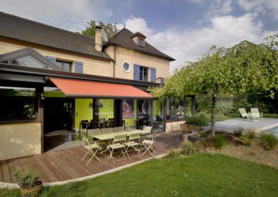 une-villa-veranda-a-l-interieur-tres-colore-4