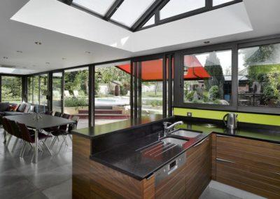 une-villa-veranda-a-l-interieur-tres-colore-5