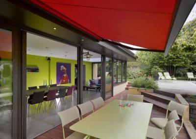 une-villa-veranda-a-l-interieur-tres-colore-6