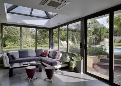 une-villa-veranda-a-l-interieur-tres-colore-8