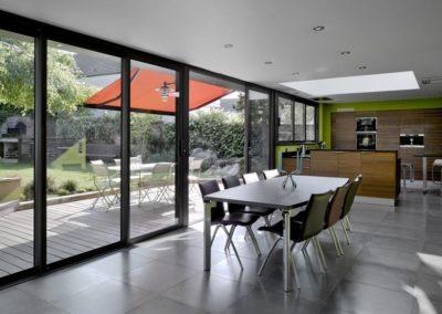 une-villa-veranda-a-l-interieur-tres-colore-9