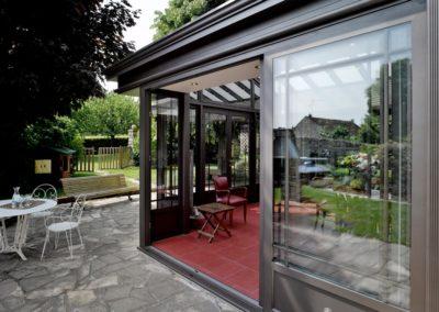 une-villa-veranda-en-avancee-sur-une-terrasse-5