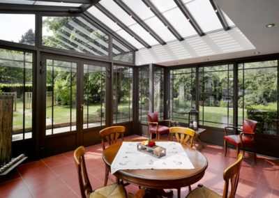 une-villa-veranda-en-avancee-sur-une-terrasse-7